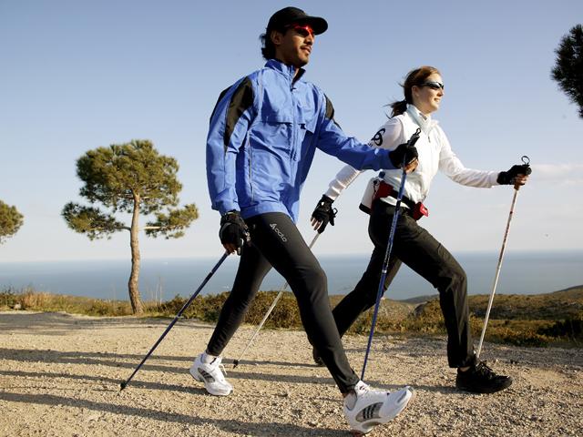 Caminata nórdica o nordic walking en jaén con marta chudy